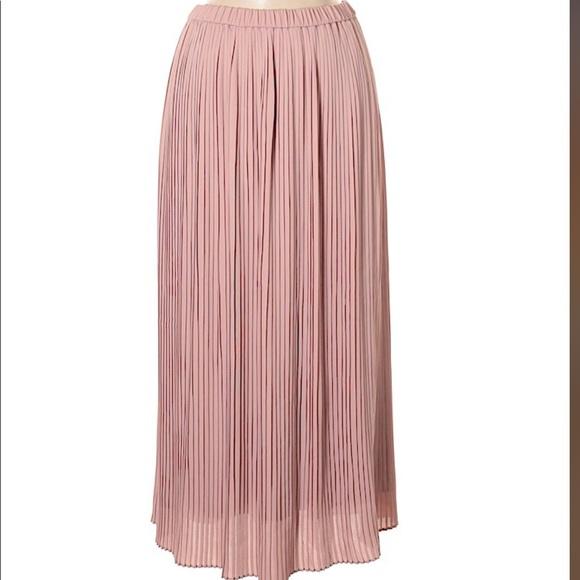 a0bf2b5212 Uniqlo Skirts | Nwt Rose Gold Blush High Waist Skirt | Poshmark